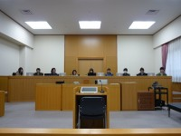 裁判員法廷で